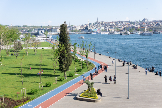 Haliç Golden Horn Karaköy Boardwalk