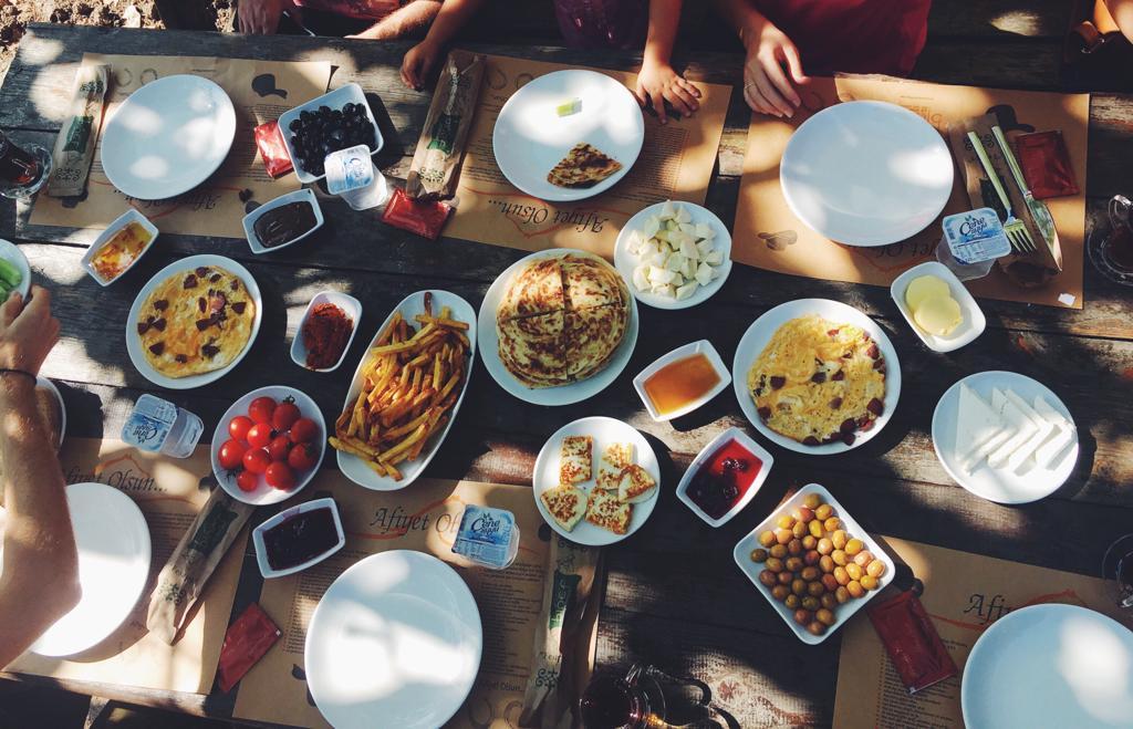 Serpme Kahvaltısı Düzce Binef At Çiftliği