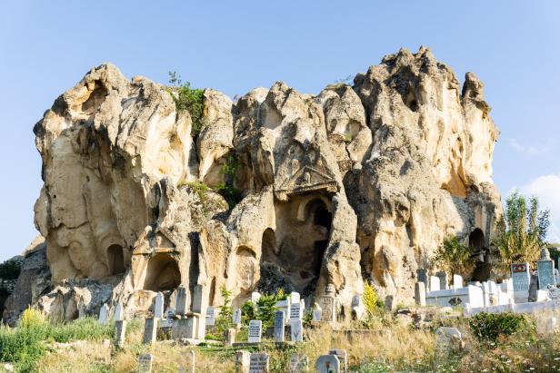 Ayazini graves