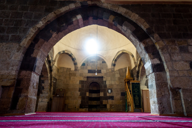 Izzetinşir Mosque Gevaş