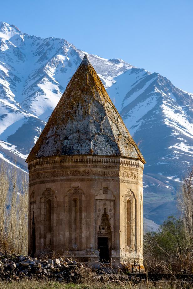 Halime Hatun Tomb Gevaş