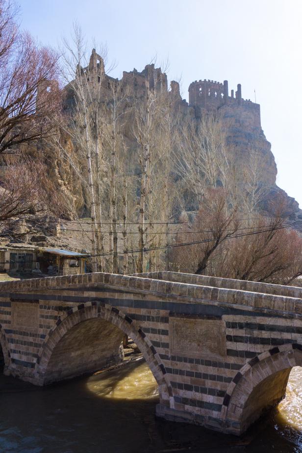 Hoşap Castle Guide
