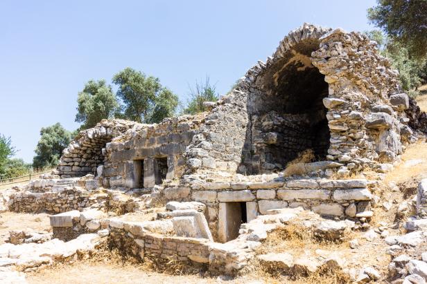 Euromos Ruins Guide